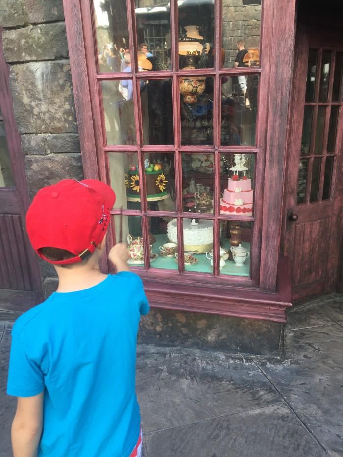 Den interaktiva trollspöt kunde man använda i Hogsmeade.
